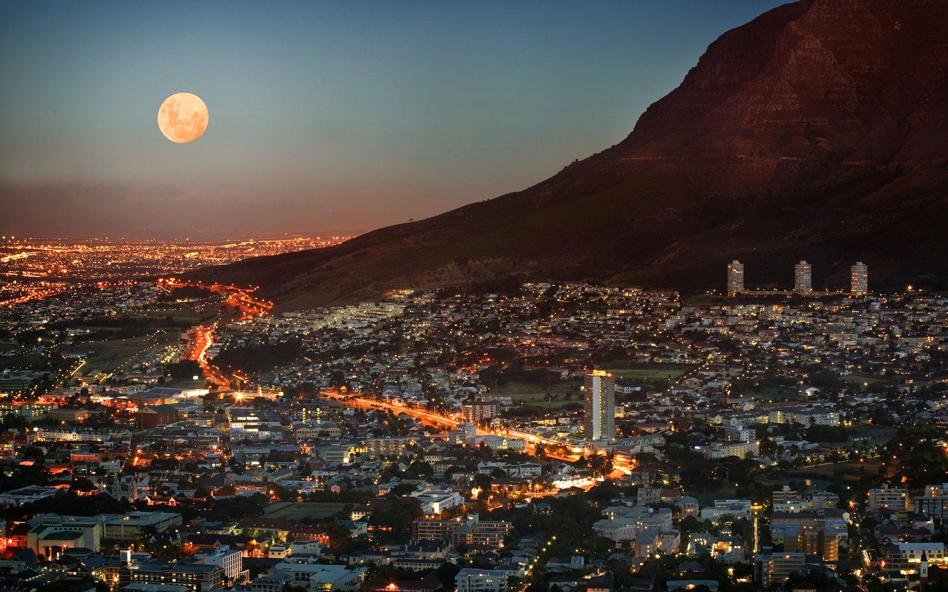 Vista de Cape Town por la noche