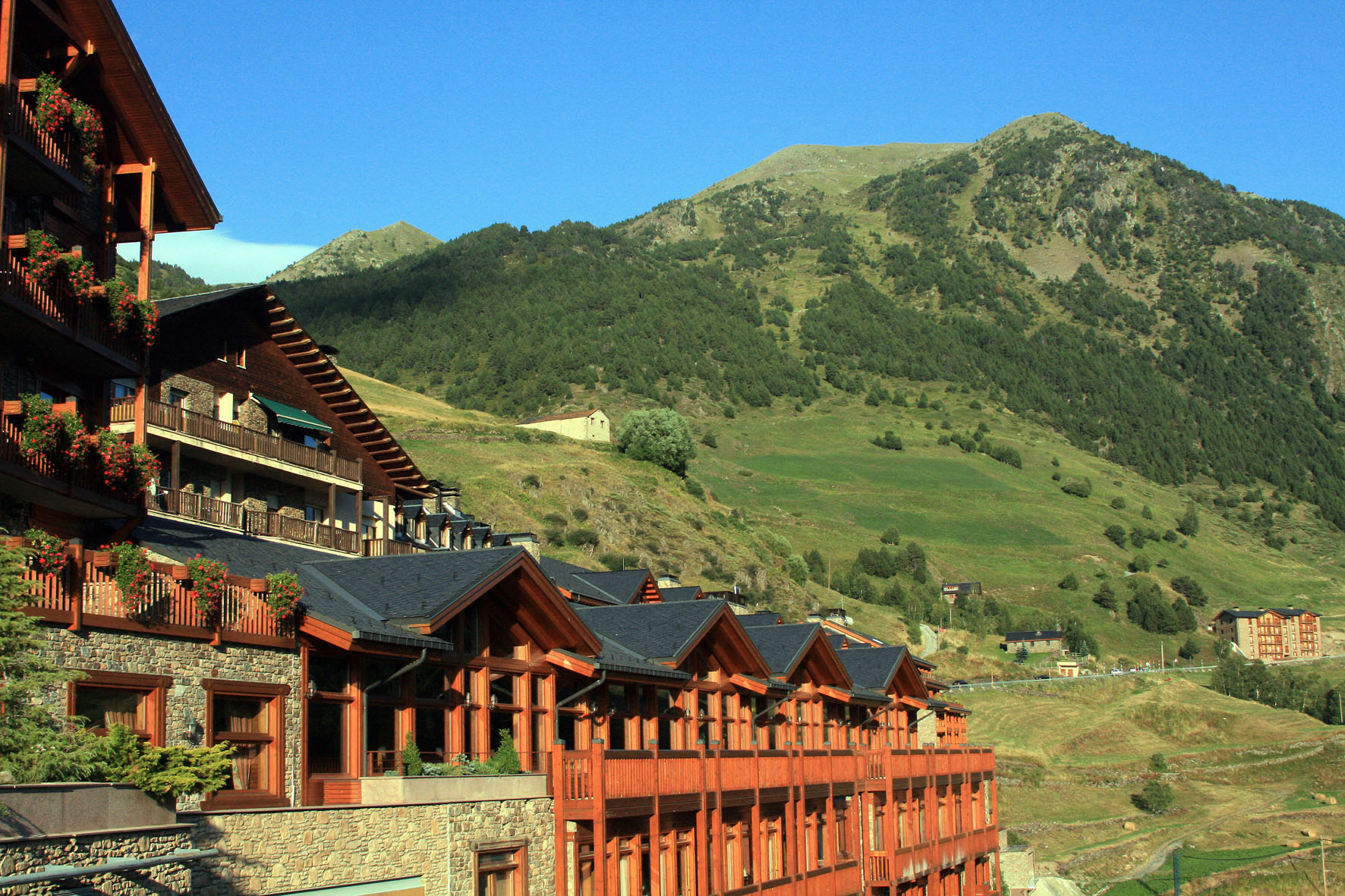 Hotels adapted for disabled people - Sport hotel hermitage soldeu ...