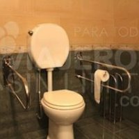 Bariloche-Hotel-Villa-Huinid-baño-hall-accessible