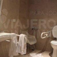 Buenos-Aires-Dazzler-Tower-baño-adaptado