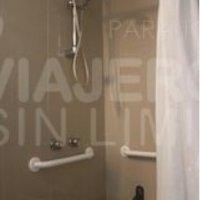 Edelweiss_hotel_ducha_adaptada_para_silla_de_ruedas_Bariloche_Argentina