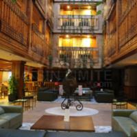 Hotel-Nordic-Andorra-lobby-adaptado-para-silla-de-ruedas