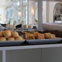 Madryn-hotel-Tolosa-buffet