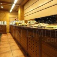 Sport-Hotel-Village-Andorra-buffet-accesible