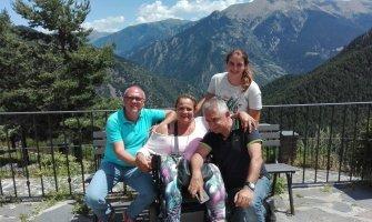 Andorra en silla de ruedas disfrutando con la familia