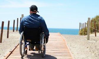 Puerto Madryn pasarela. Argentina accesible en silla de ruedas accessible